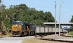 CSX 856 leads train U-376-05