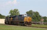 CSX 3093 leads train Q698-21 towards the yard