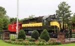 SAL 1114 & caboose on display