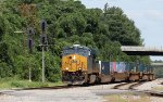 CSX 3196 leads train Q192-18
