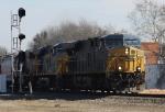 CSX 750 leads train Q491 past the new signal