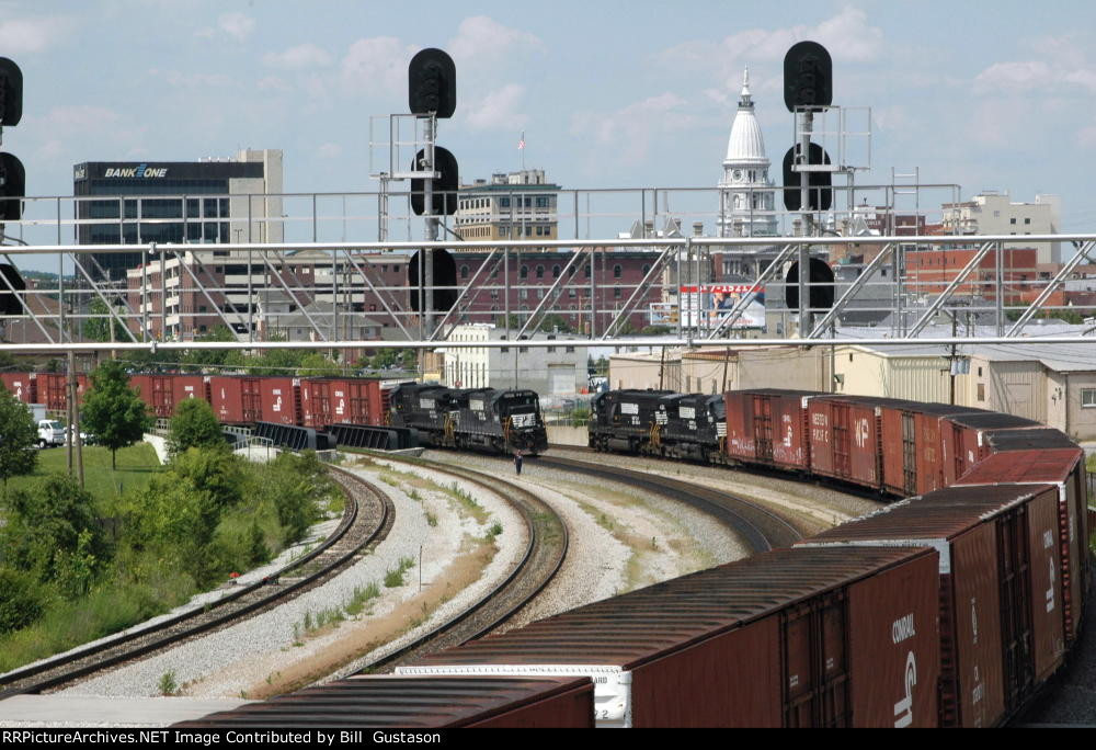 Two auto parts trains at Lafayette Jct