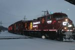 the cp holiday train departing savanna