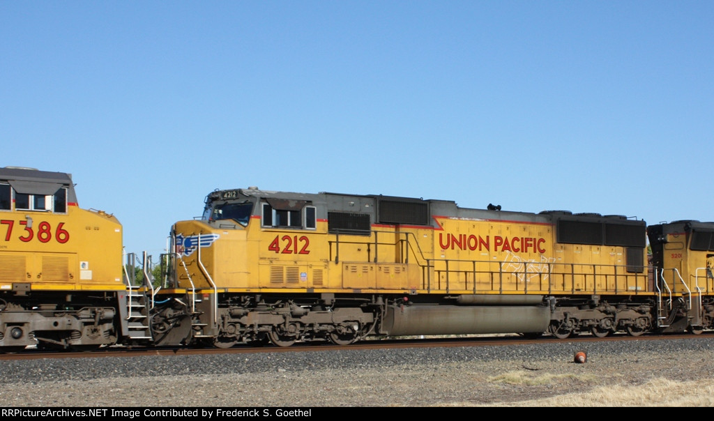 UP 4212