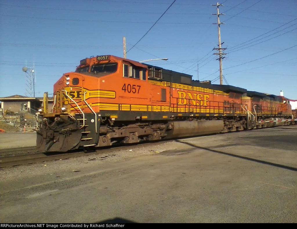 BNSF 4057