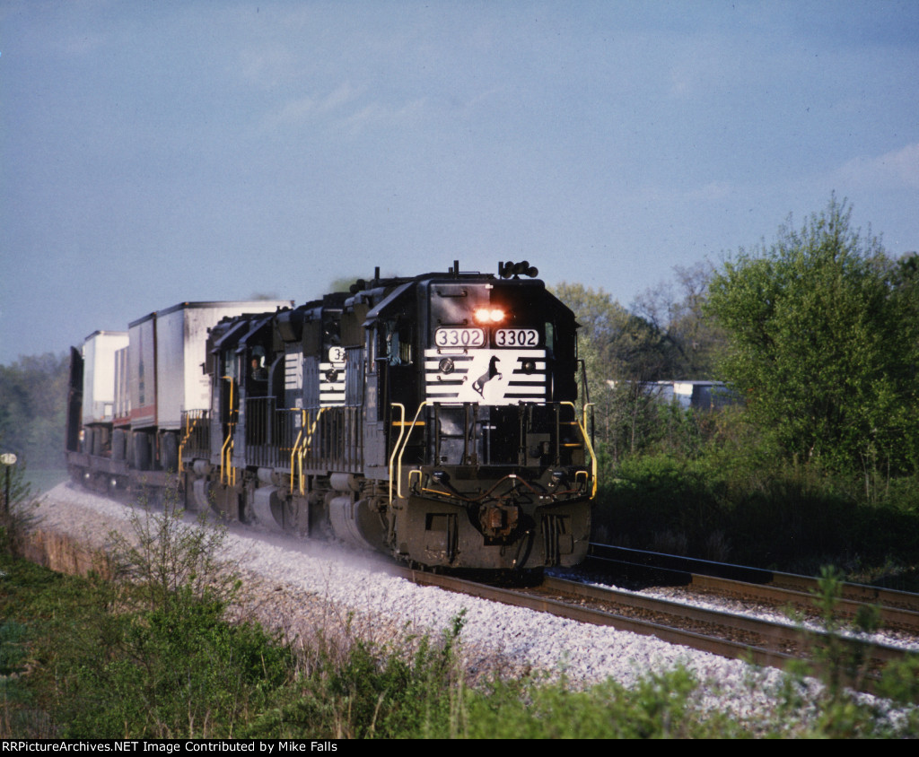 NS 221 heads south