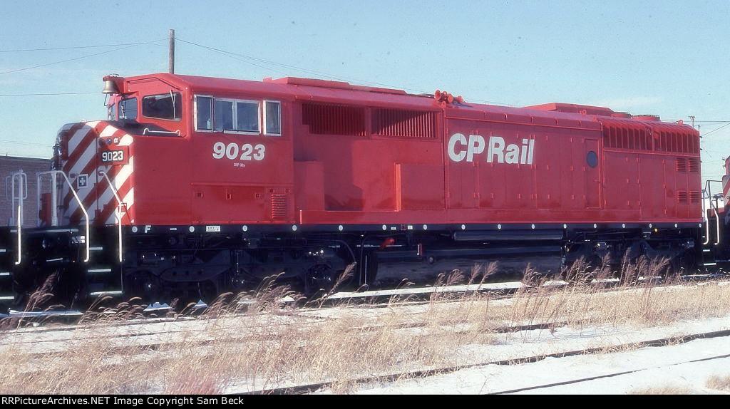 CP 9023--New SD40-2F