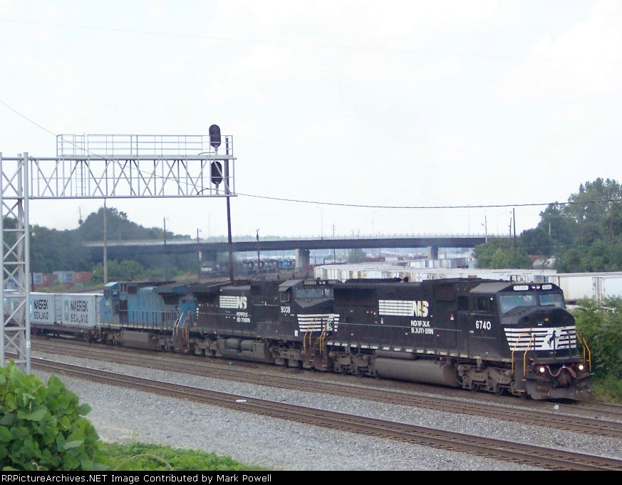 NS 6740 heading south out of the NS Inman Yard