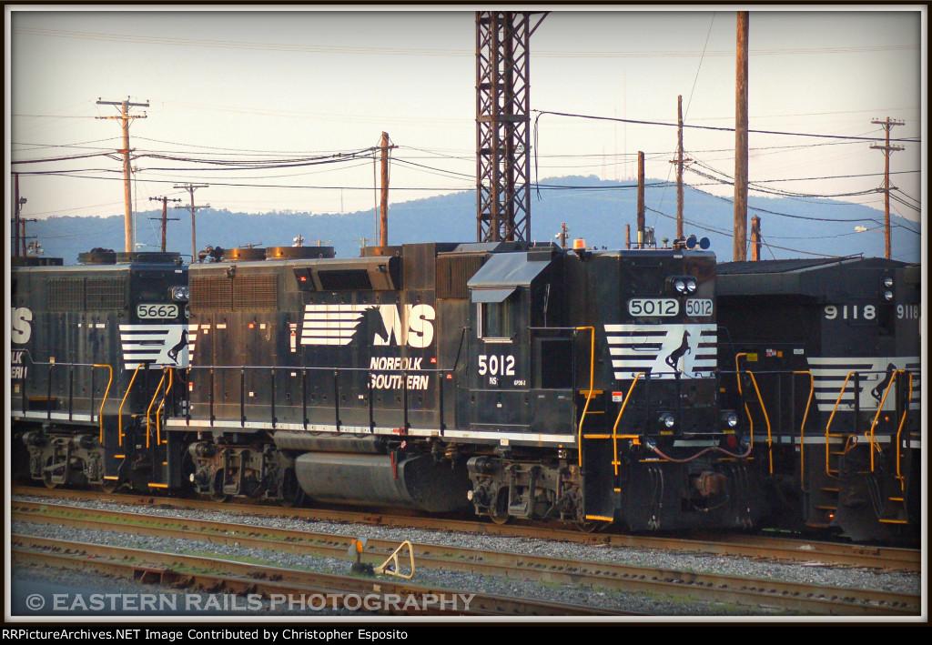 NS GP38-2 5012