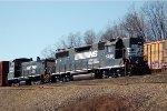 NS GP38-2 5249 & SW1500 2209