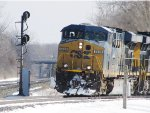 CSX 5429 creeps off the Westshore