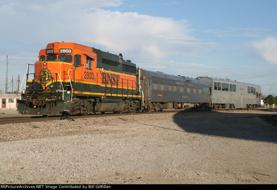 BNSF 2803 with track geometry cars 88 and 87