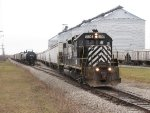 8804 shoves 8 DDG cars into the ethanol plant yard as tanks for Pioneer and grain shuttle cars wait on the main