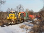 CSX 8824 & 9009 lead Q195-12 west through the Cash Block