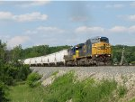 CSX 7337 rounds the curve leading Q321-18 southward