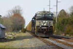 Idle as NS M2G southbound train park on NS Delmarva Secondary branch and, wait for recrew