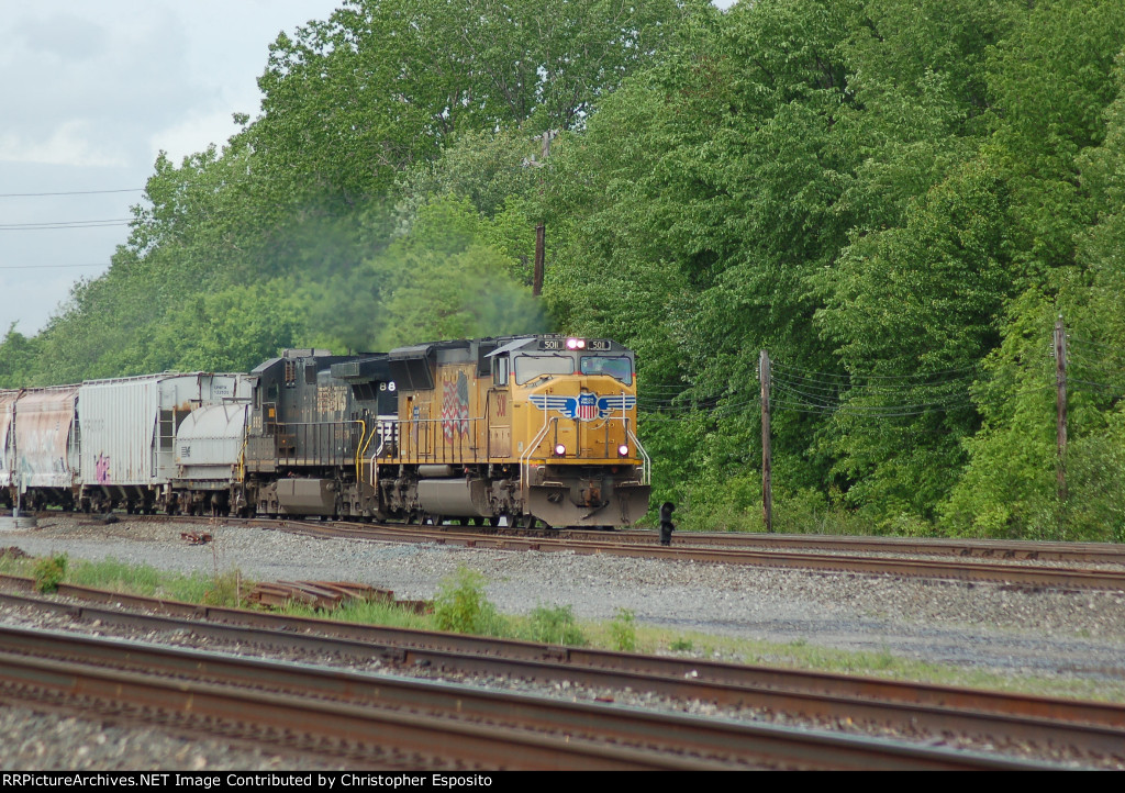 UP 5011 w/ NS 310