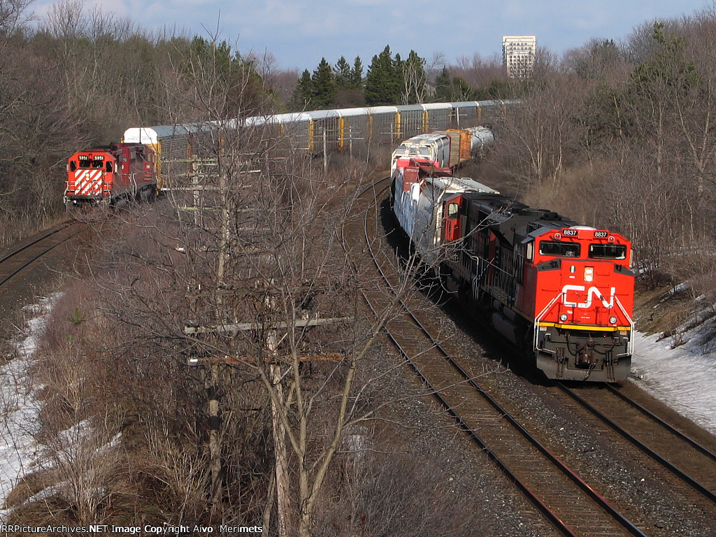 CN 8837 West at Mile 5.8 Strathroy Sub.