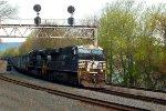 NS ES44AC 8027 leads 592