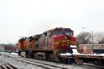BNSF 9-44CW 692