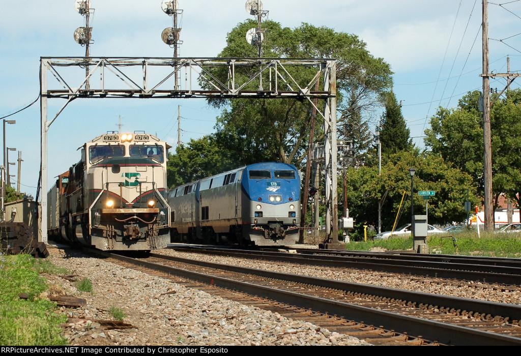 BNSF SD70MAC 9763 & Amtrak P42 178
