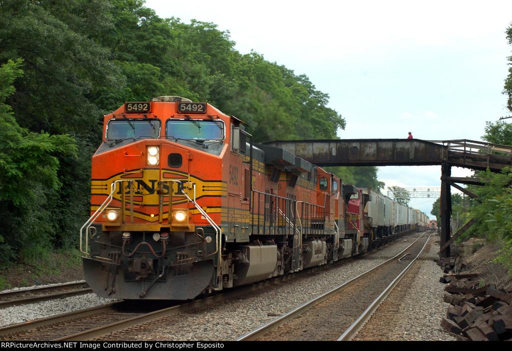 BNSF 9-44CW 5492