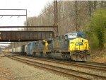 CSX 685 leading Q439-15