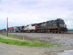 EB Intermodal South of Town