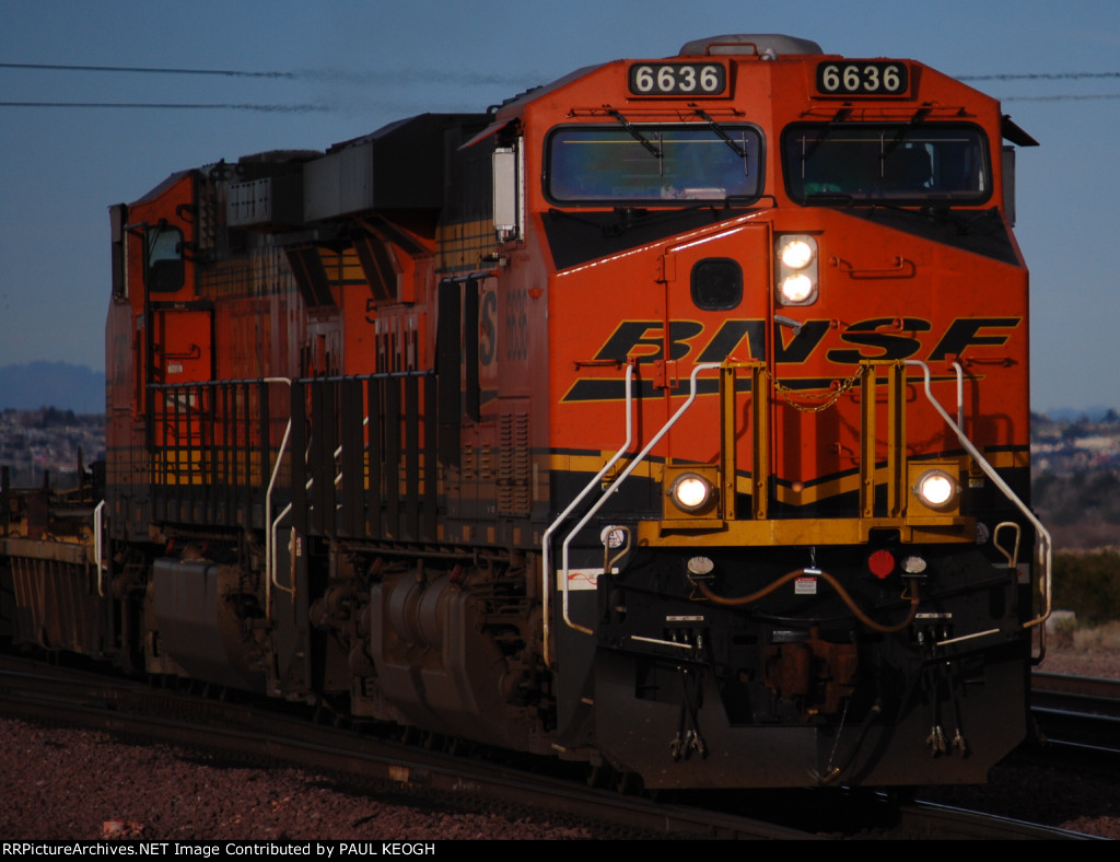 BNSF 6636 returns early morning eastbound pulling a Bear Table Spine car Train a day after Christmas.