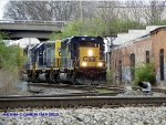 CSX SD40-3 4000 leads Q237 south