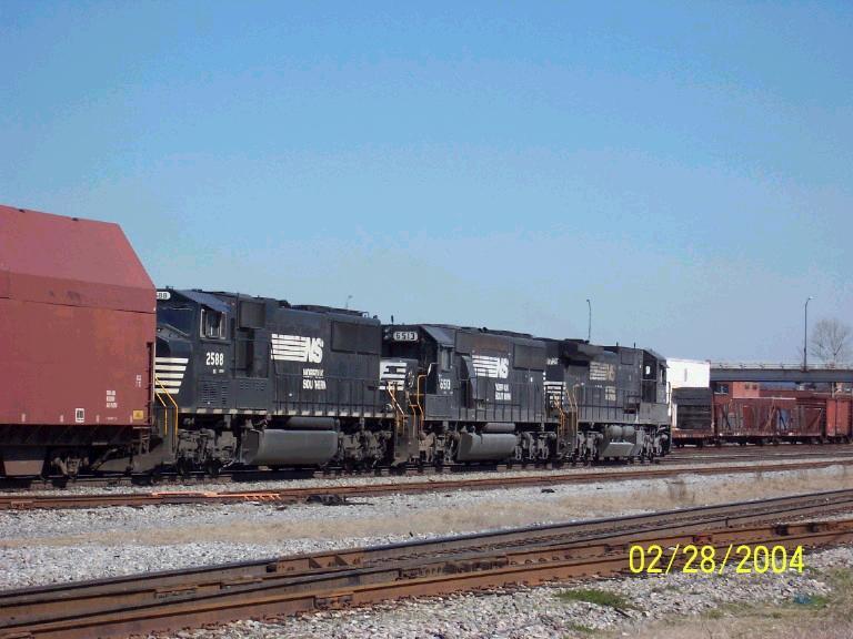 NS trio leads NS train 320