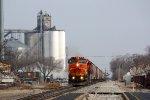 CN 2137, southbound CN grain train