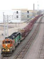 060411006 BNSF rail train at at Northtown Yard