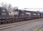 NS 3216 in 5 unit eastbound train. waits for signal Dec. 3, 2005