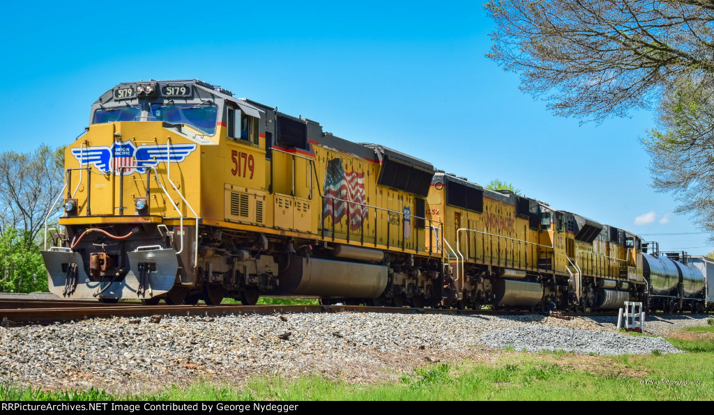 Union Pacific:An all EMD lash-up waiting for a clear track