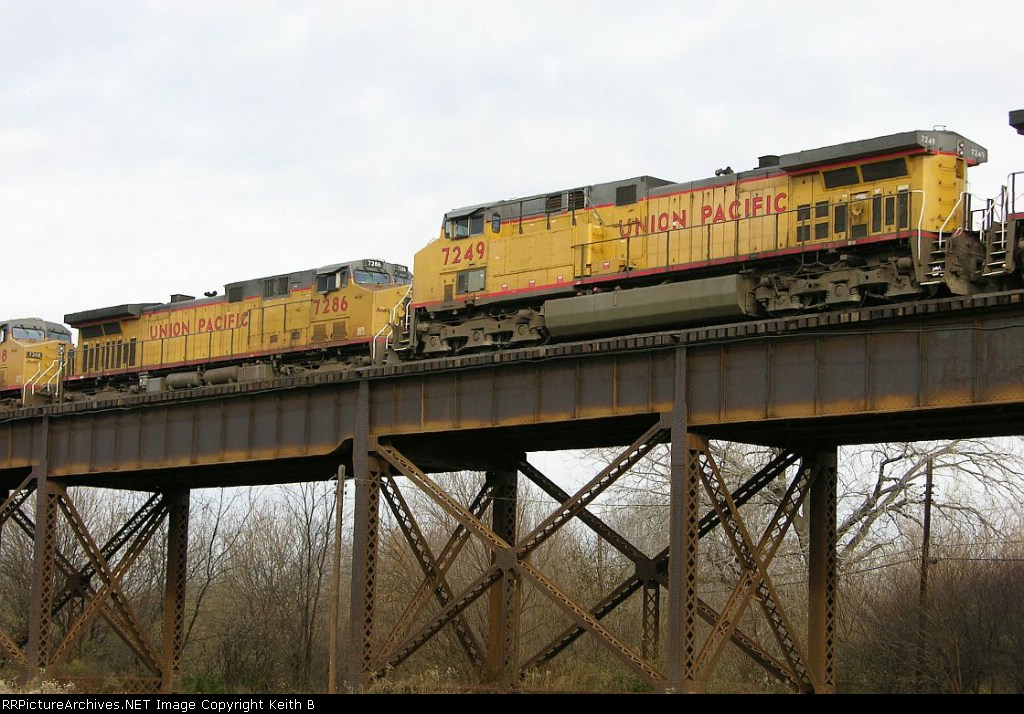 UP 7286 and 7249