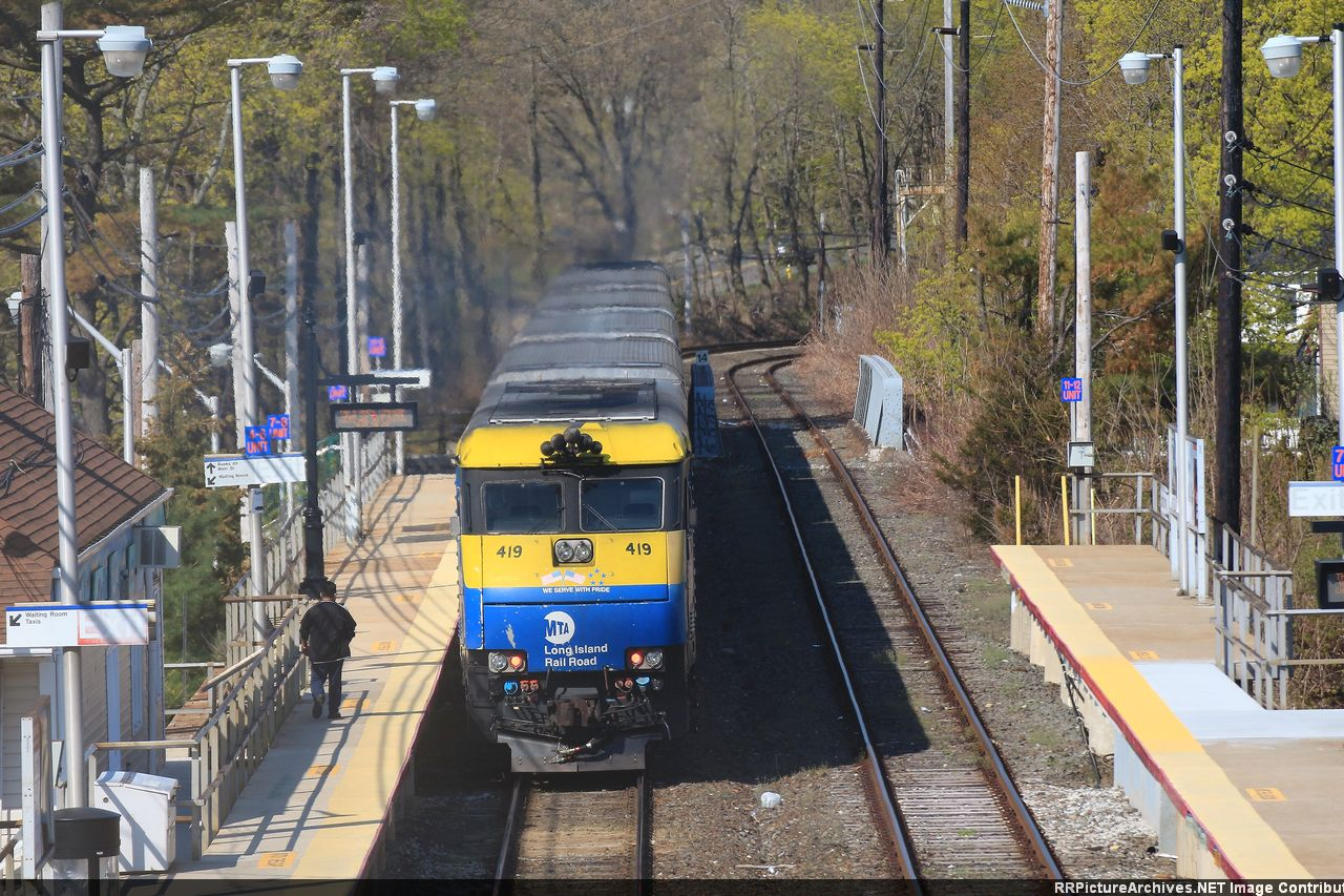 Train 619