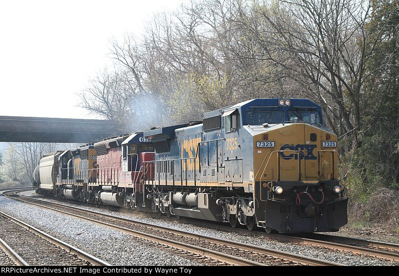 K498-15 ethanol EB into Baltimore, MD with MEC 619 in consist