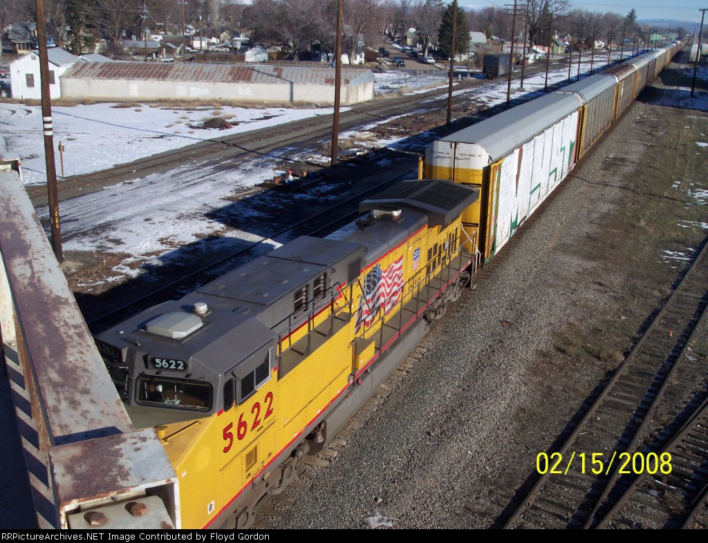 UP 5622 goes under Idaho 52 Highway bridge