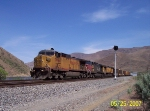 UP 7094 in Snake River Canyon