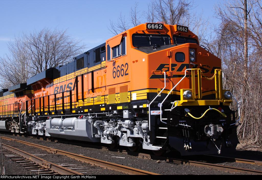 BNSF 6661