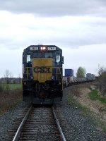 CSXT 7611 on train B798 around the bend at Smellie