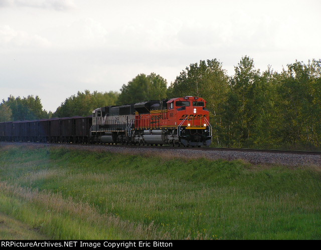 BNSF 9141 East at sunset