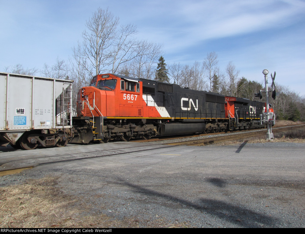 CN 511 Leaving The Siding