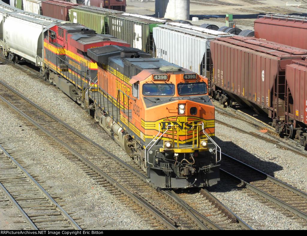 BNSF 4398 South w/KCS GEVO