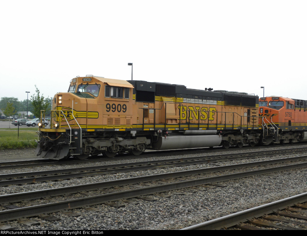 BNSF 9909 North