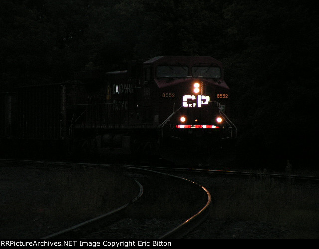 CP 8552 West at Humboldt Yard