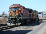 BNSF B40-8 and an ex UP/SP SD40T-2 on Q402 head to their train