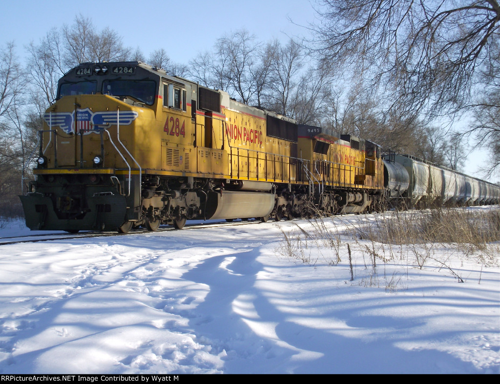 UP 4284 and 9495