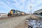 CSX 8053 leads U990 west